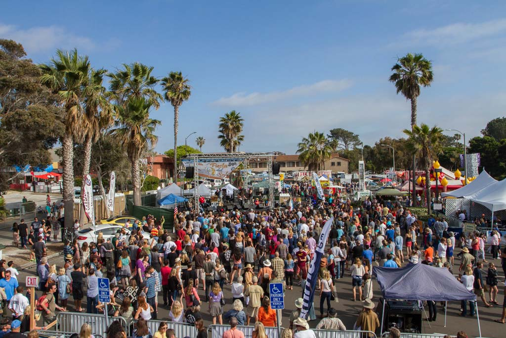 Crowds swelled as the sun finally came out on Sunday afternoon. Photo by Daniel Knighton