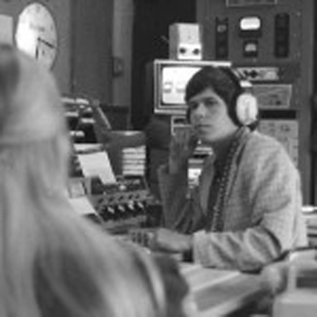 Former radio DJ Art Bell interviews a 16-year-old Maureen McCormick of Brady Bunch fame in 1972. Bell is returning to the airwaves in September. Photo by Bob Hudson