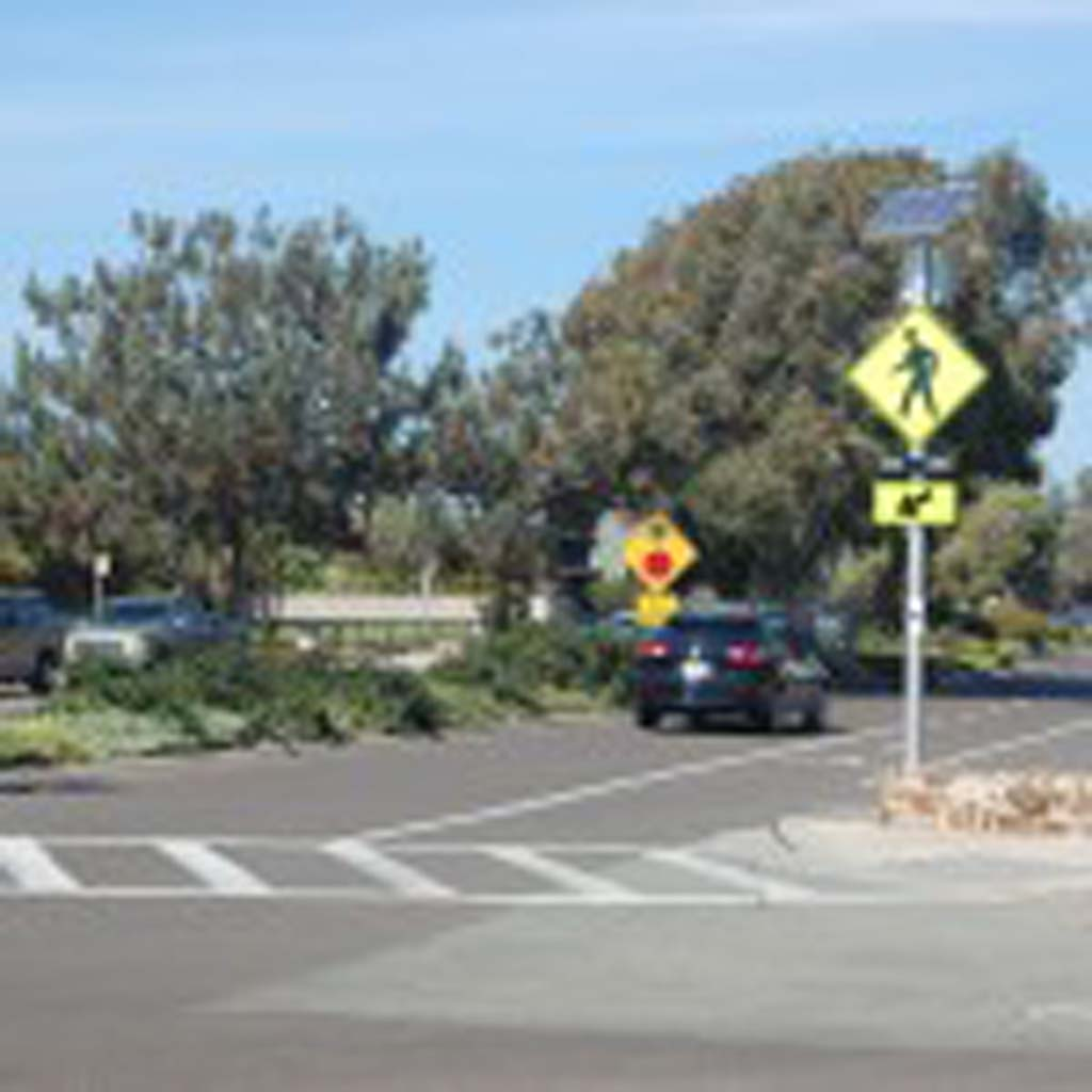 The speed limit on Camino del Mar will be reduced from 35 mph to 30 mph between the San Dieguito Bridge and 27th Street and from 35 mph to 25 mph on this stretch between 27th Street and Coast Boulevard. Photo by Bianca Kaplanek