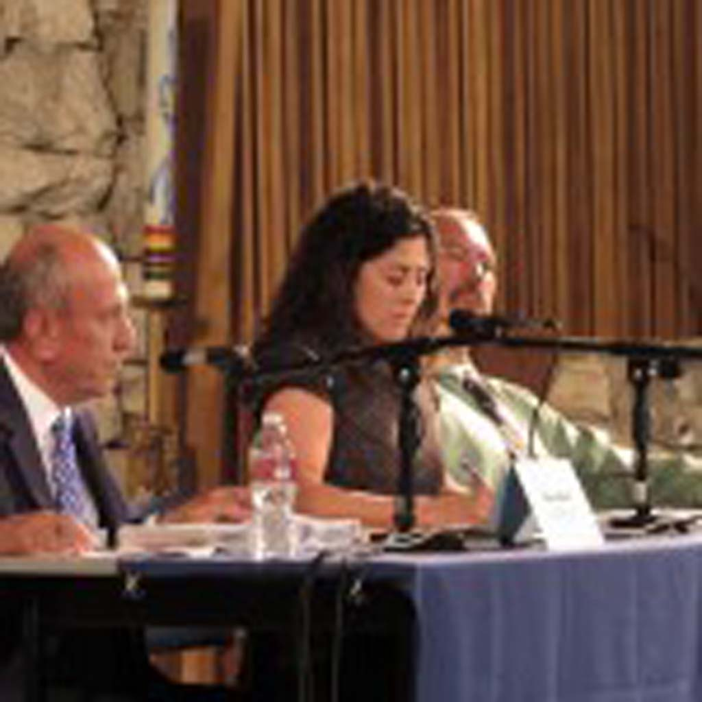 From left: Mayor Sam Abed, Deputy Mayor Olga Diaz and Stephen Siaw discuss their views at a forum put on by the First United Methodist Church on Sept. 30. Photo by Ellen Wright