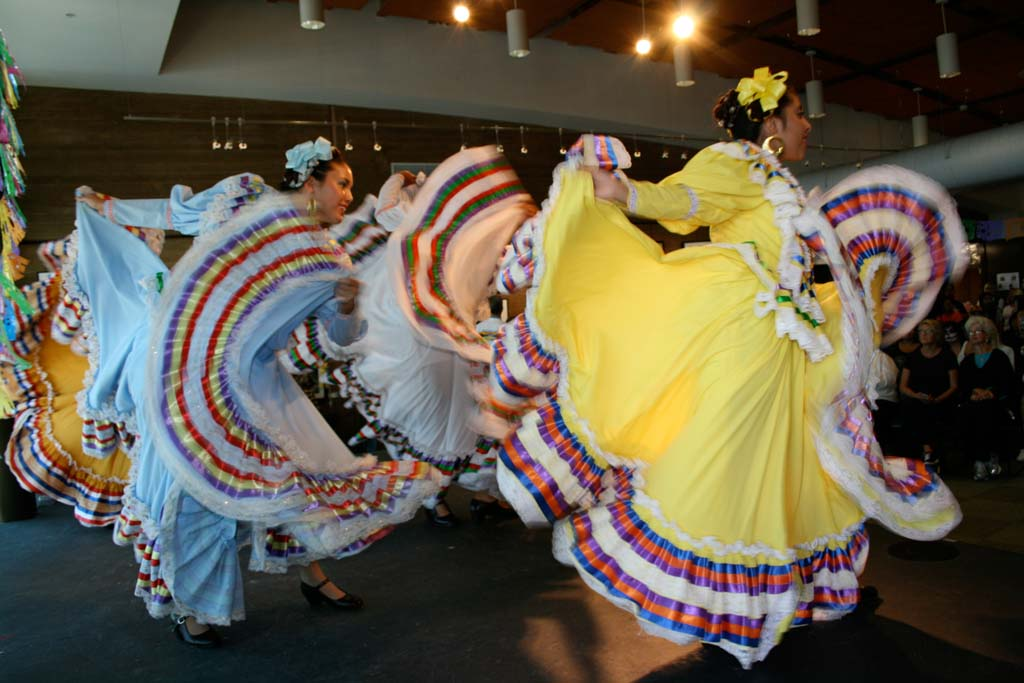 Grupo Folclórico Tapatío de Oceanside dancers entertain a full house. Information on traditional Latin American dances was shared between performances. Photo by Promise Yee