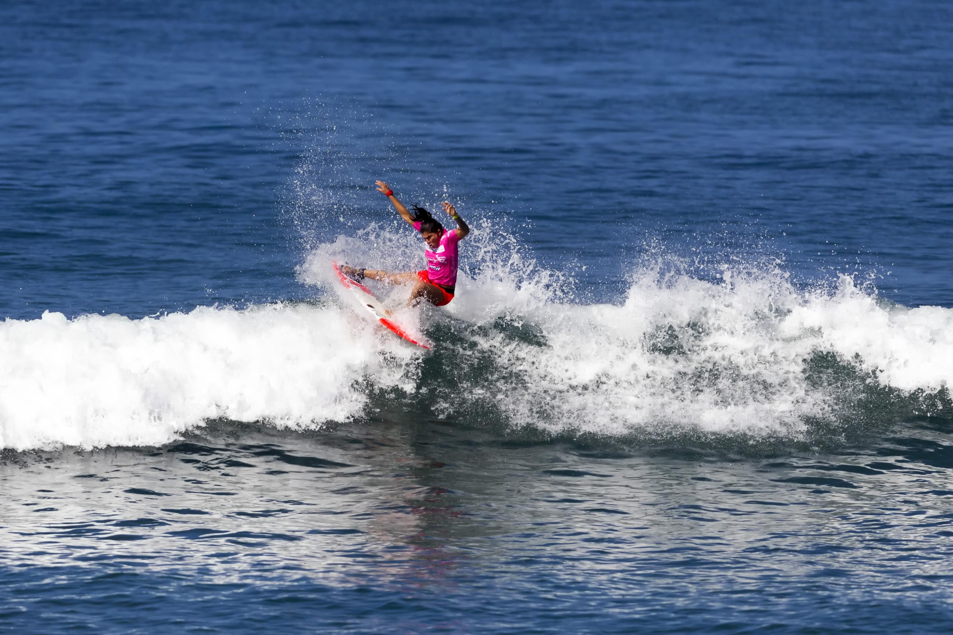 Silvana Lima from Brazil competes at the Paul Mitchell Supergirl Pro during Round 4, Heat 2 in Oceanside. Photo by Bill Reilly