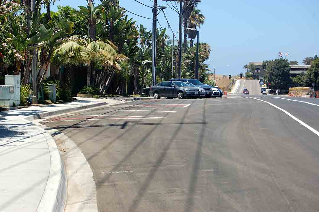 Plans to charge for parking in newly created spaces along Via de la Valle were put on hold for at least 90 while California Coastal Commission staff members work with Del Mar officials to address concerns raised by the proposal. Photo by Bianca Kaplanek