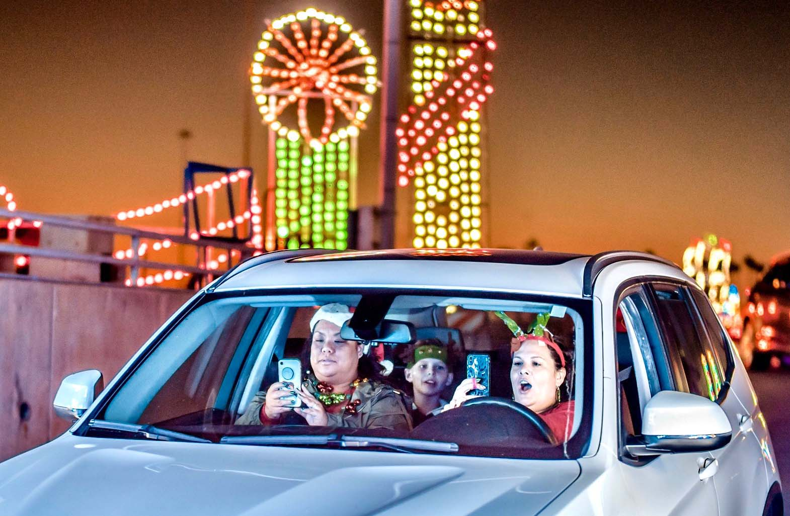 Del Mar Holidays light show